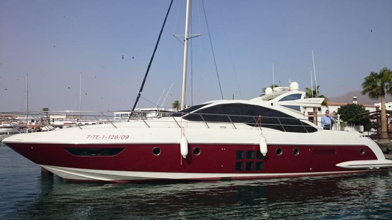 Alquiler de barcos y yates de lujo en Lanzarote.