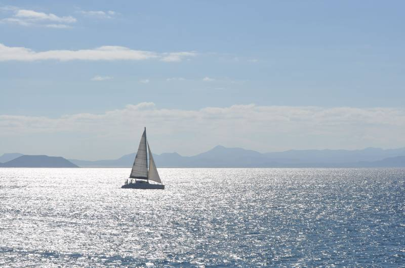 BAREBOAT CHARTER IN LANZAROTE?