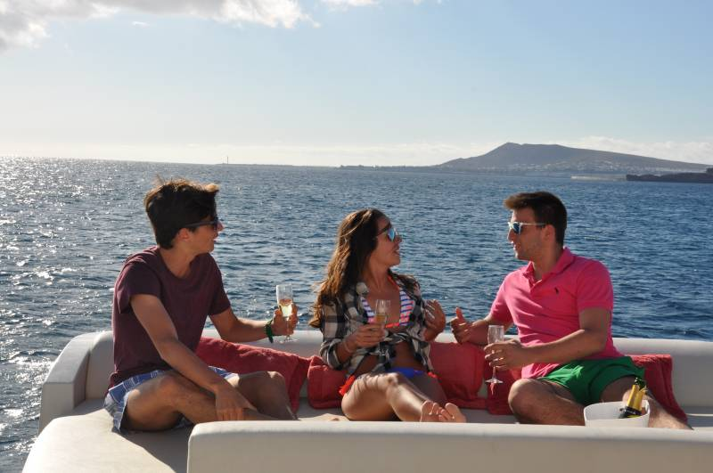 Boat rentals per week in Lanzarote and the Canary Islands.
