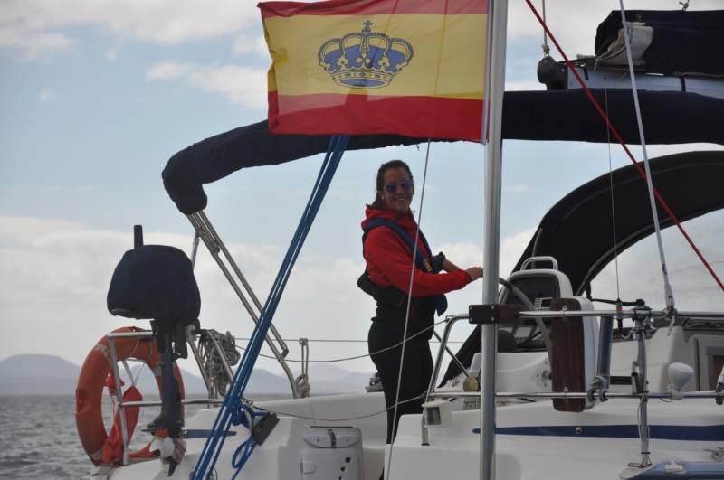 Sin tripulación Bavaria 39, www.lanzaroteyachtcharter.com