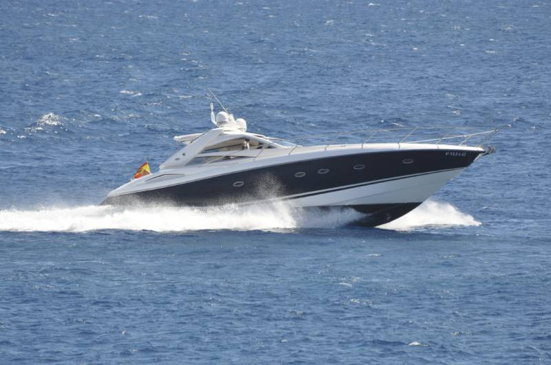 HIRE A YACHT IN LANZAROTE